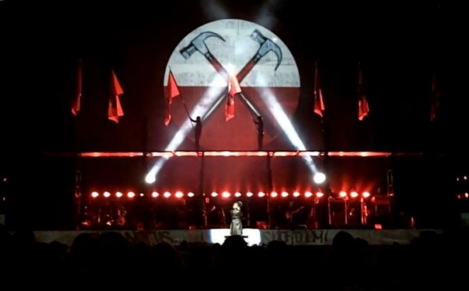 Roger_Waters_The_Wall_Live_St._Louis_29_October_2010